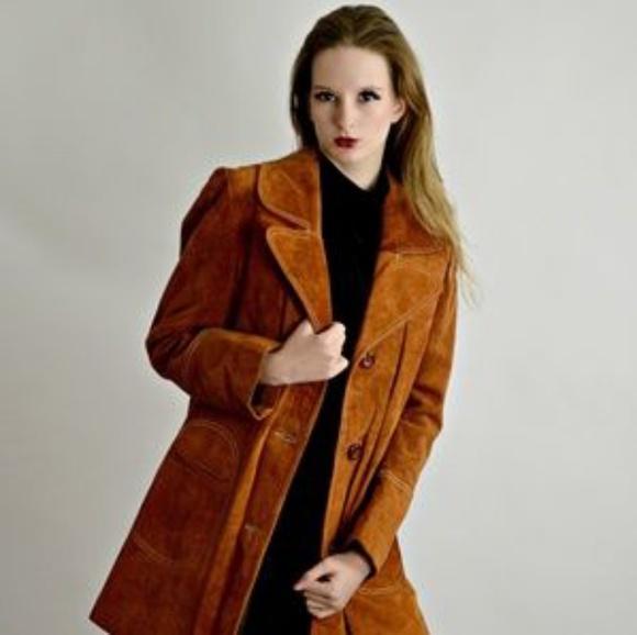 Vintage Jackets & Blazers - Vintage 1970s suede coat.